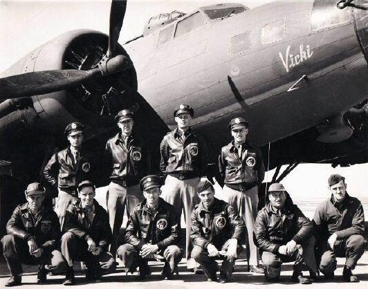 Boeing b 17f 42 30307 crew