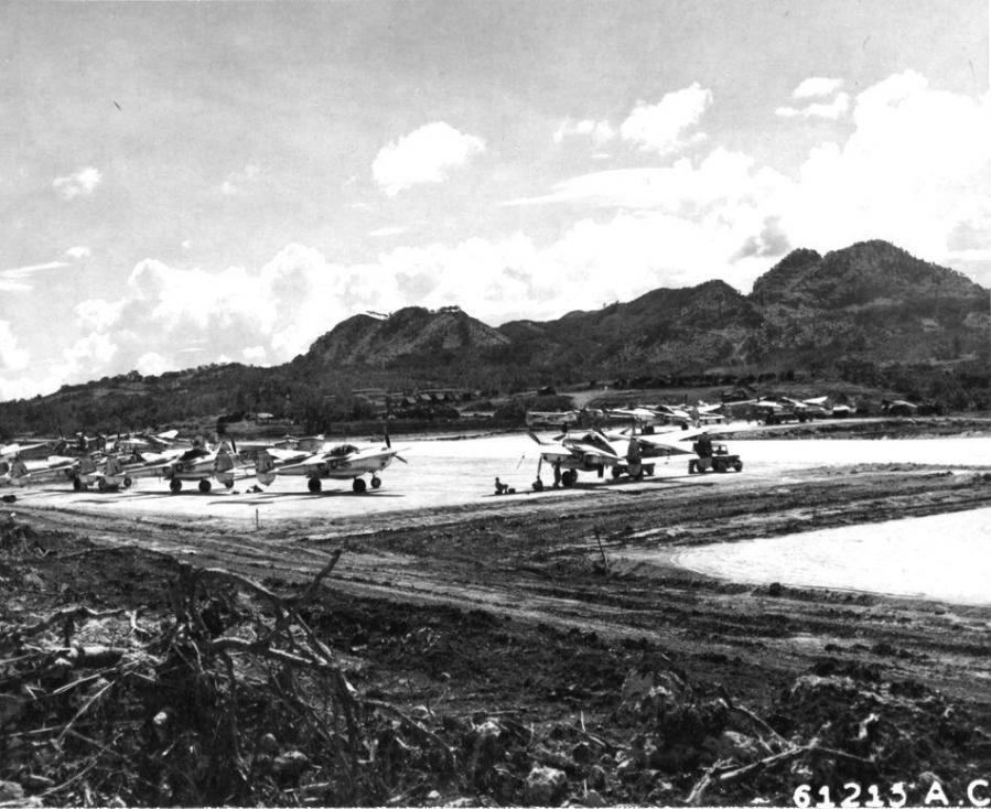 Lockheed f 4s and f 5es 8th photo recon sq motabu airstrip okinawa nara 342 fh 3a04038 61215ac