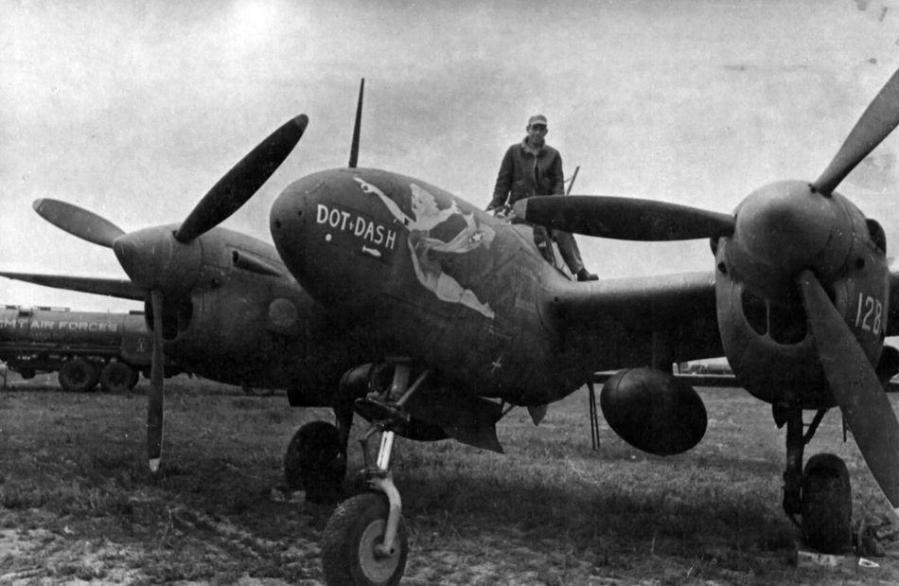 Lockheed f 5 lightning dot dash 7th photographic reconnaissance group soviet union 1944