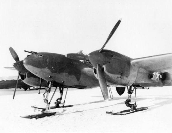 Lockheed p 38 lightning with skis