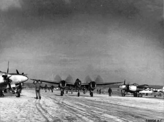 P 38 370th fg florennes