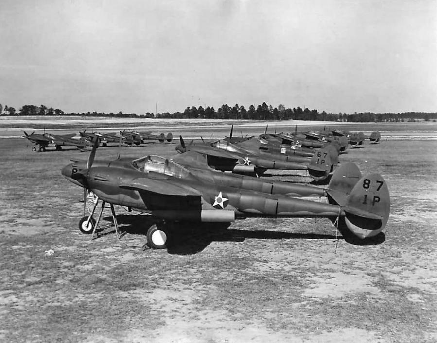 P 38d 1st pursuit group 1941