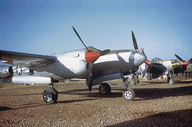 P38 chenkgung 1945