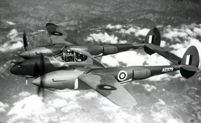 P38 lightning ae979