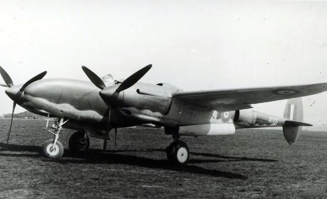 P38 lightning af106 left side2