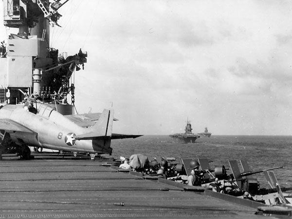 Uss wasp cv 7 uss saratoga cv 3 uss enterprise cv 6 pacific south of guadalcanal 12 august 1942